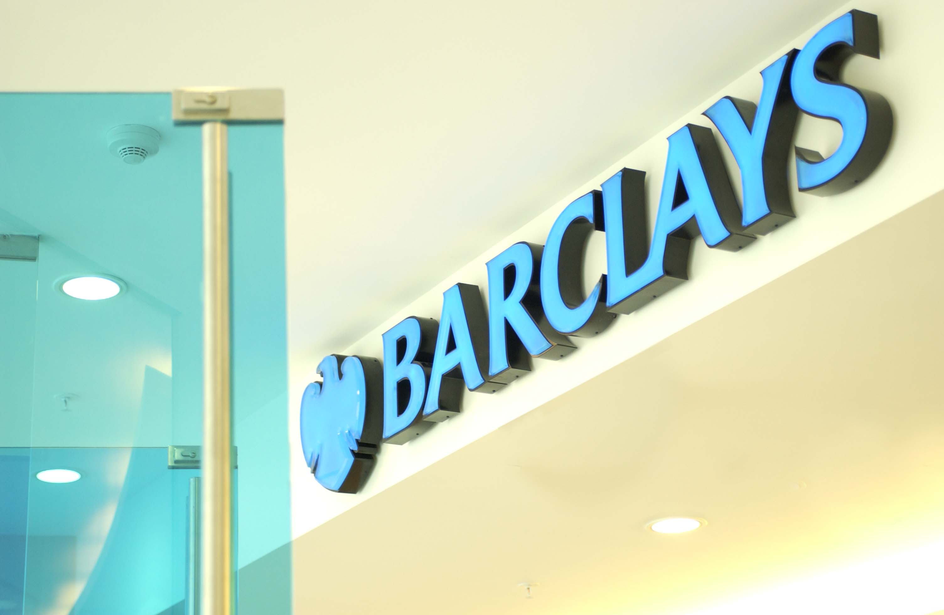 Barclays lowers rates for first time buyers