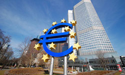 Euro strengthens despite slow economic growth
