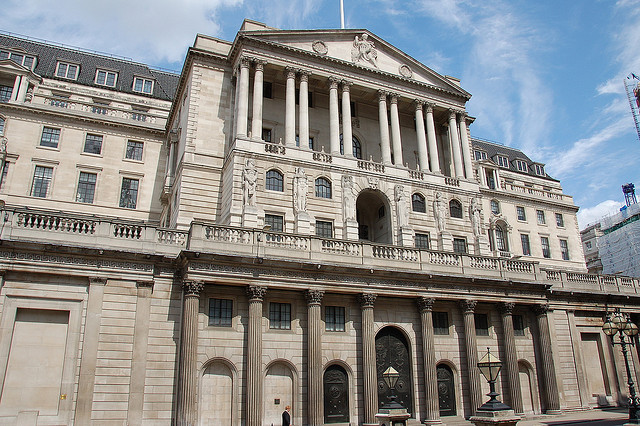 UK lending holds steady as banks begin price war