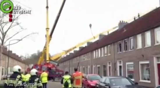 Crane collapse crashes marriage proposal attempt