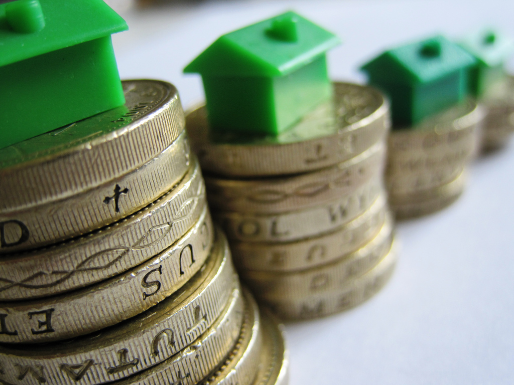 UK mortgage lending sees seasonal dip