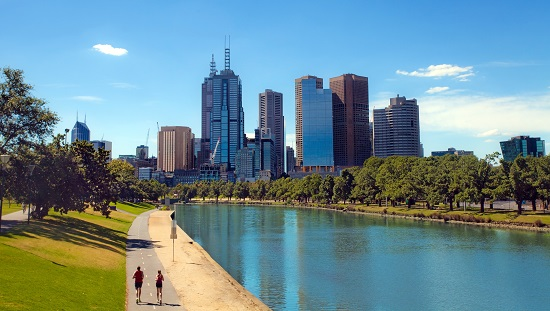 Melbourne overtakes Sydney to become hottest Australian housing market